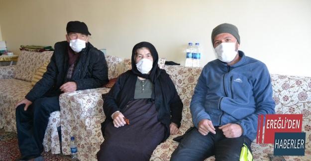 Konya'da 20 torunlu 95 yaşındaki kadın korona virüsü yendi