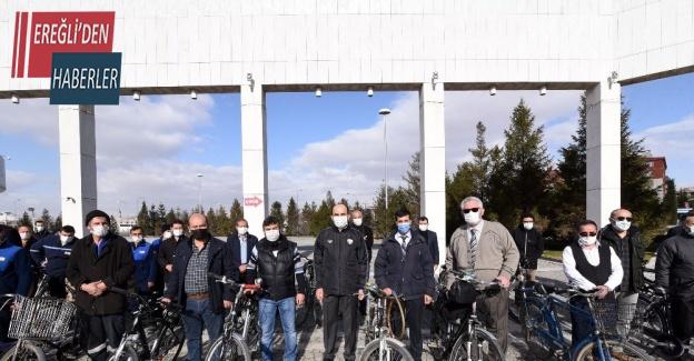 Başkan Altay 12 ay işe bisiklette giden belediye çalışanlarıyla buluştu