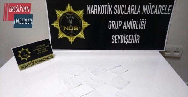 Konya'da özel yapım kağıtlara emdirilmiş bonzai ele geçirildi
