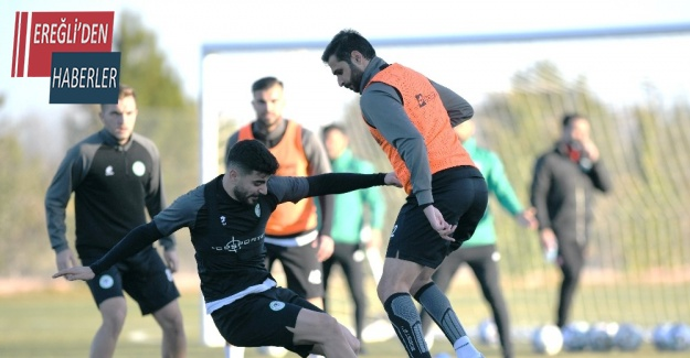Konyaspor, İlhan Palut ile ilk antrenmanına çıktı