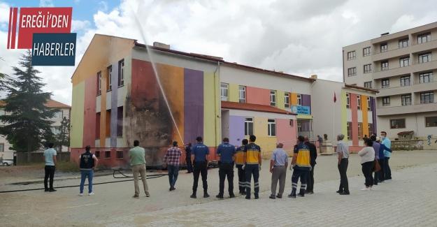 Konya'da okulda yangın paniği