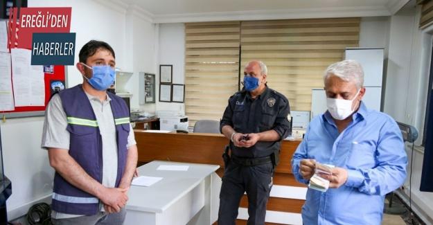 Temizlik görevlisinin bulduğu 10 bin lira sahibine teslim edildi