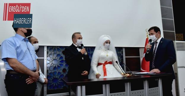 Zabıta çiftin nikahını Başkan Hasan Kılca kıydı