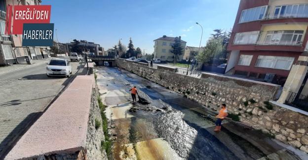 Akşehir Belediyesi'nden vatandaşlara çöp uyarısı