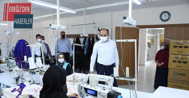 Başkan Altay KOMEK'te üretim yapan kursiyerlerle buluştu
