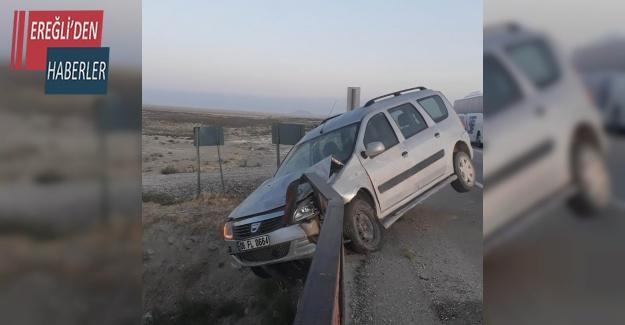Hafif ticari araç bariyerlere saplandı: 1 yaralı