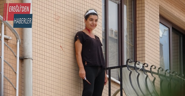 Kendine bıçakla zarar veren hemşireyi polis ikna etti