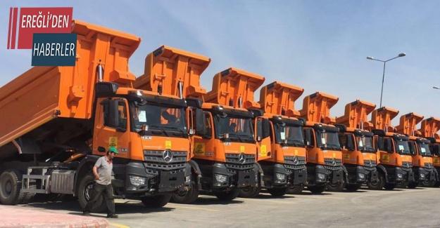 Konya Büyükşehir Kastamonu'ya 10 hafriyat kamyonu daha gönderdi