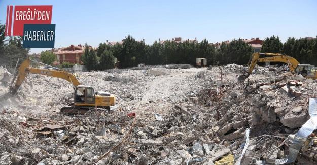 Meram'da Konevi Kültür Merkezi'nin yıkımı gerçekleşti