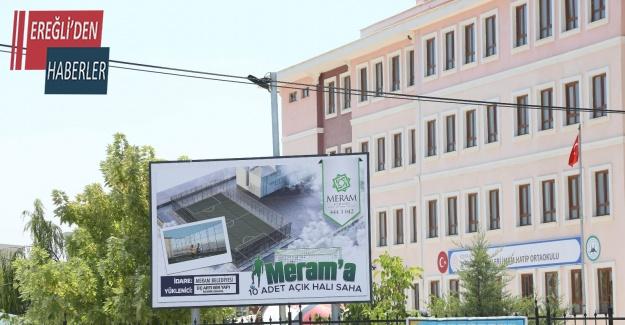 Meram'daki 10 okula halı saha kazandırılıyor