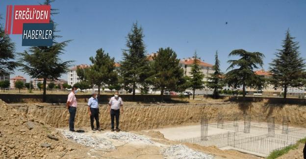 Akşehir'deki 9 okulun yeni binalarının inşaatı sürüyor