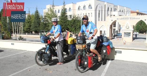 Asya turuna çıkan bisiklet tutkunu Alman sağlıkçı çift Konya'da