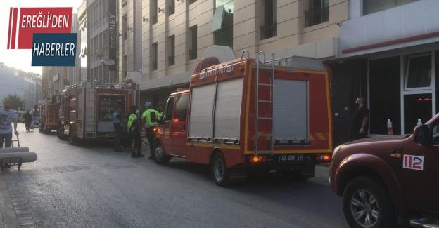 (Düzeltme) Asansörde sıkışan 2 işçiden biri öldü, diğeri yaralı kurtarıldı