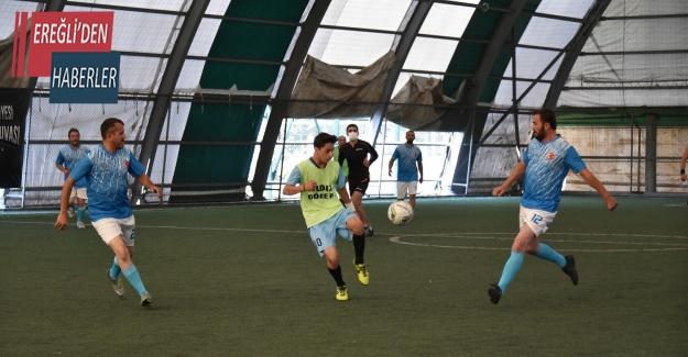 Karatay Belediyesi birimler arası futbol turnuvası başladı