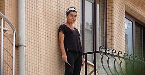 Kendine bıçakla zarar veren hemşireyi...