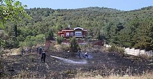 Konya'da çıkan yangın ormana sıçramadan söndürüldü