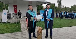 Eğitim Fakültesine mezuniyet coşkusu