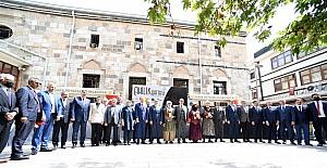"""Konya Büyükşehir Belediye Başkanı Altay: """"Ahi Evran'ın bıraktığı kültür bizim sokaklarımızda hala yaşamaya devam ediyor"""""""