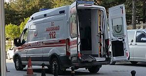 Konya'da minibüsün çarptığı 2 genç yaralandı