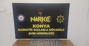 Şüphe üzerine durdurulan kişinin üzerinden 2 bin 703 adet uyuşturucu hap çıktı